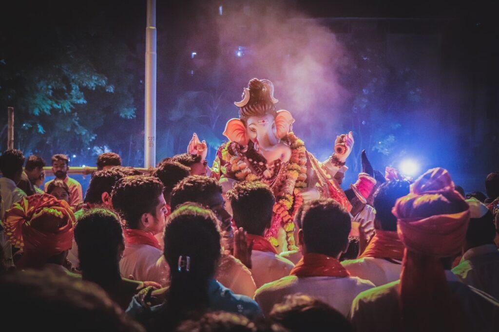 People Worshipping